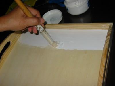 Pintura de decoracion bricolaje casa - Pintar sobre barniz ...